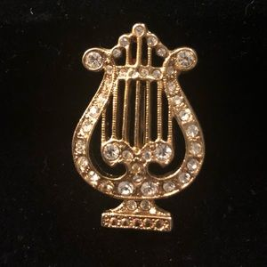 Harp Broach from 1928